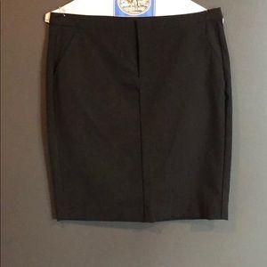 High waisted pin stripped skirt.